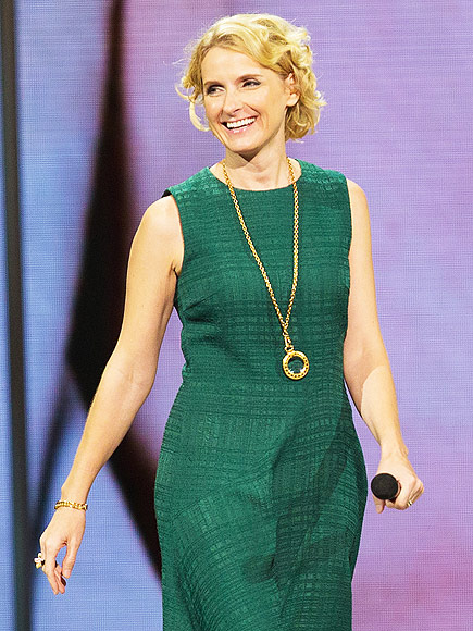 Eat, Pray, Love Author Elizabeth Gilbert Confronts Her Karaoke Fears – for a Good Cause